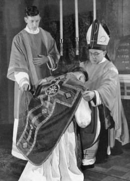 Pastoor priester dominee verschil